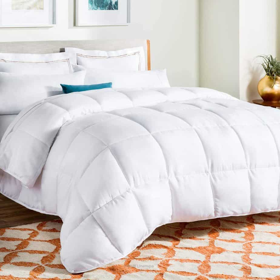 Linenspa All-Season Alternative Down Quilted Comforter